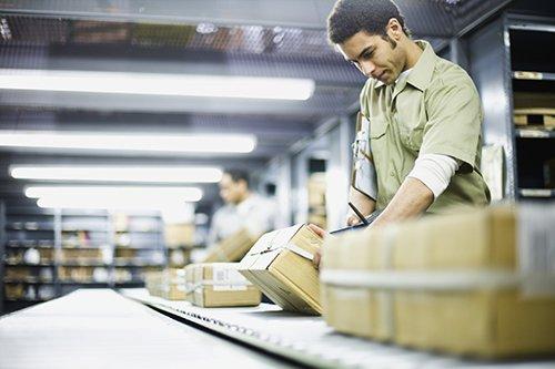 Retailers Adjust Work Schedules to Offset Minimum Wage Hikes