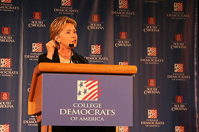 Media Name: 640px-hillary_clinton_speaks_to_college_democrats.jpg