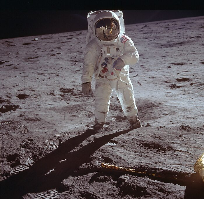 Media Name: buzz_aldrin_by_neil_armstrong.jpg