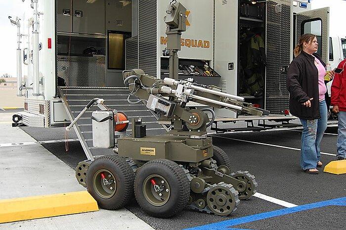 Media Name: robot.jpg