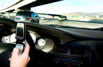 text-messaging-while-driving